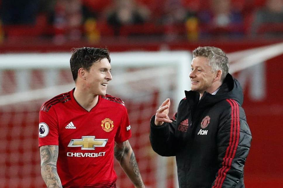 Official: Victor Lindelof Signs A New Deal At Manchester